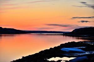 Elvenesfjorden med utsikt mot Kirkenes